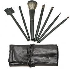 Набор кистей для макияжа Chanel из 7 кистей в черном чехле
