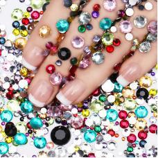 Декоративные камни Swarovski разных цветов и разных размеров